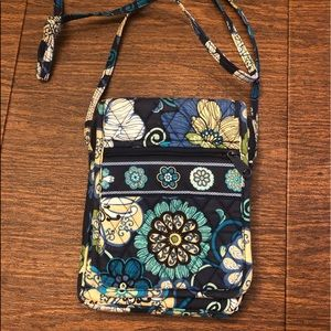 Vera Bradley small cross body